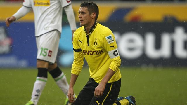 Bundesliga - Dortmund captain Kehl extends contract to 2014
