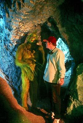 The Grinch ( Jim Carrey ) with director Ron Howard on the set of Universal's Dr. Seuss' How The Grinch Stole Christmas