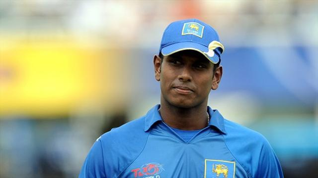 Cricket - Mathews declaration sets up chase
