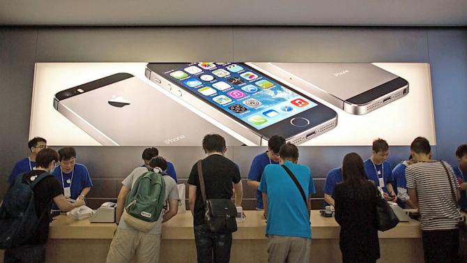 Apple iPhones 5S, 5C Go Global, Arriving in More Than 25 Countries This Week
