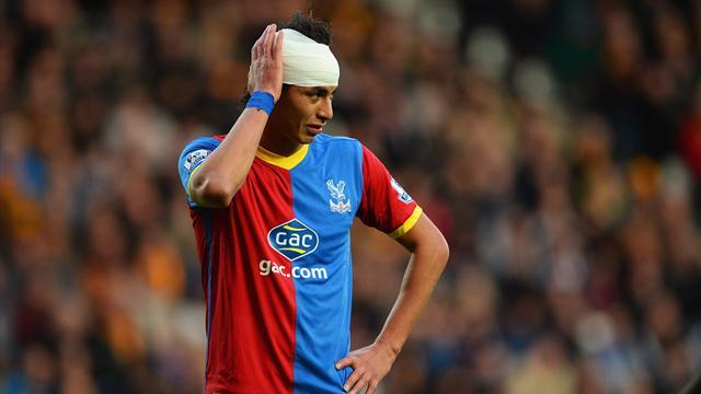 Premier League - Ten-man Palace grab first away win at Hull