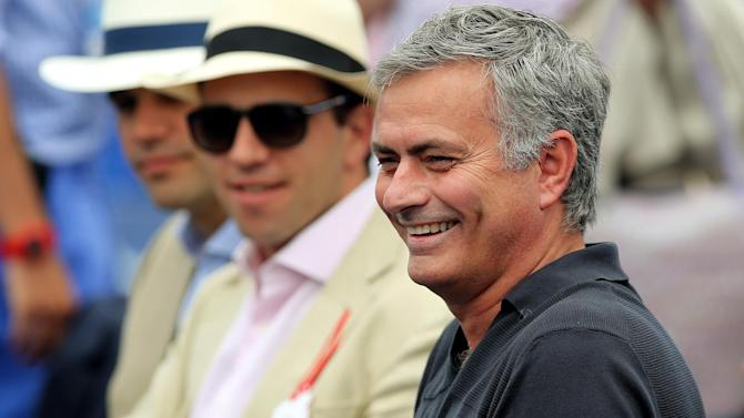 Premier League - Chelsea manager Jose Mourinho 'signs new four-year contract'