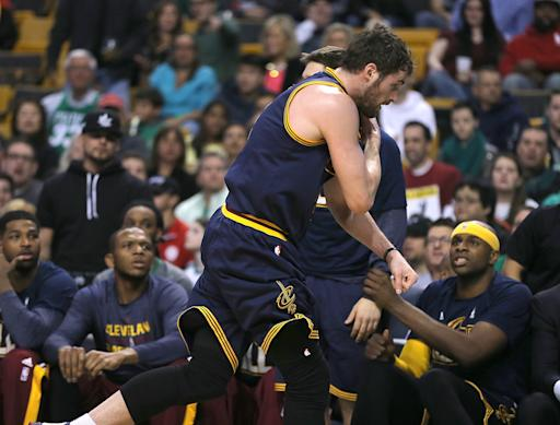 Cavs' Kevin Love out next series with dislocated shoulder
