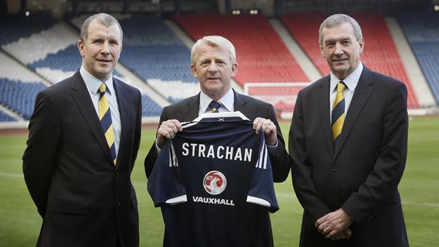 Football - Strachan mission is to lift Scots