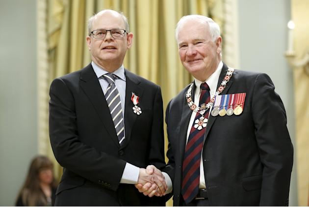 Fregin poses with Johnston after being awarded the Order of Canada in Ottawa