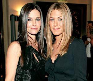 """Jennifer Aniston Praises Friend Courteney Cox: """"She's Been There for Me Through Thick and Thin"""""""
