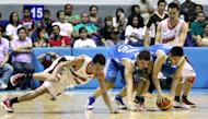 Players dive for the loose ball. (PBA Images)