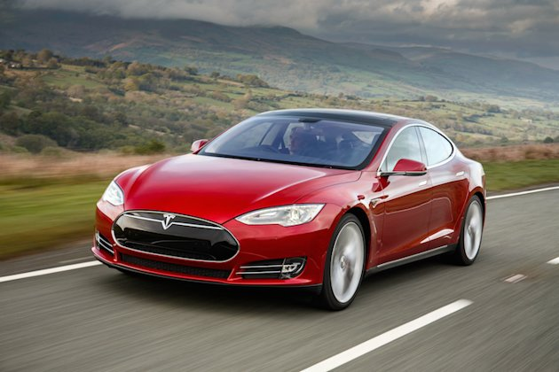 Tesla Model S drag race photo