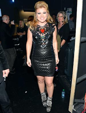 """Kelly Clarkson: """"I Literally Dropped 18 Pounds in a Month"""""""