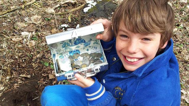 Dad Creates Tricky Treasure Hunt for Son's 11th Birthday