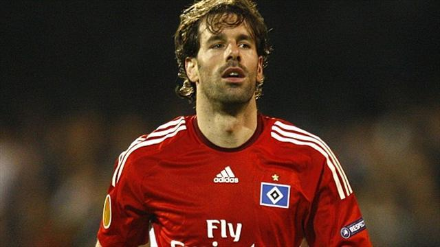 Football - Van Nistelrooy to play for legends