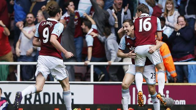 Premier League - 10-man Tottenham lose at West Ham
