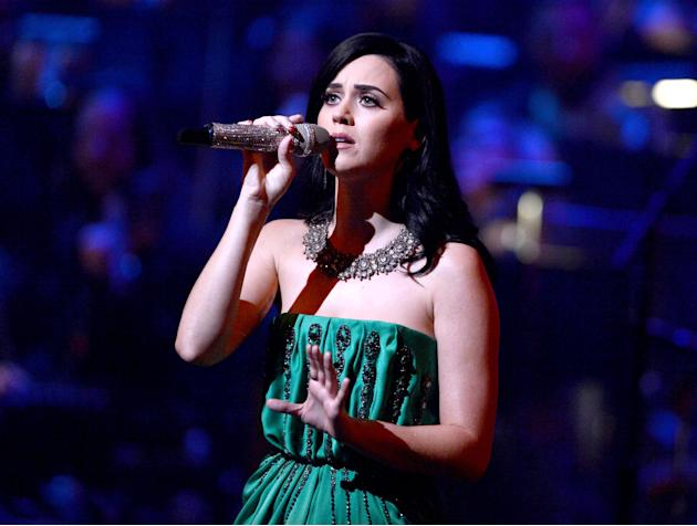 Katy Perry en homenaje a Carole King