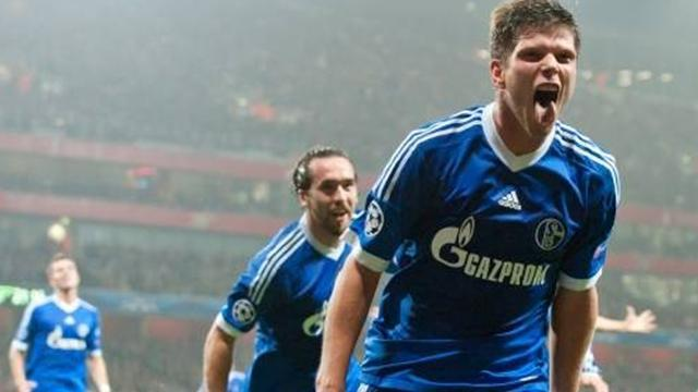 Bundesliga - Huntelaar could finish career at Schalke
