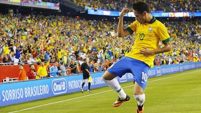 World Cup - Ronaldinho, Kaka, Coutinho left out of Brazil World Cup squad
