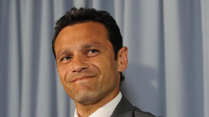 Mark Ramprakash has agreed to work as stand-in batting coach for the England Lions in India