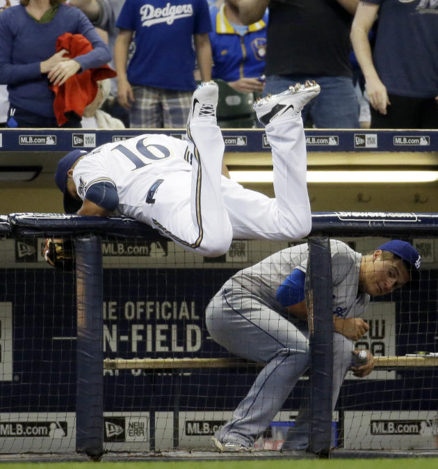 Brewers win in Counsell's debut, 4-3 over Dodgers