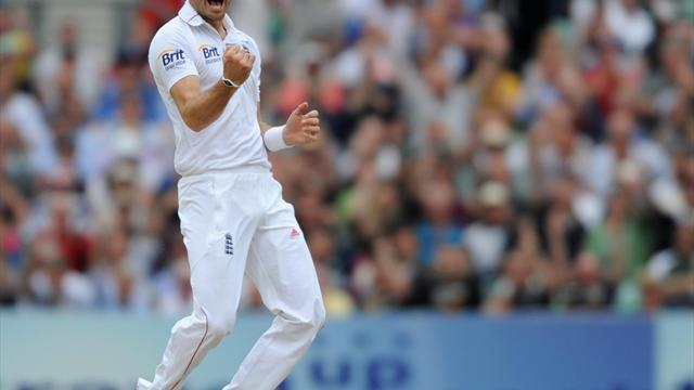 Cricket - Anderson happy to pick up wickets