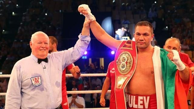 Boxing - Pulev beats Thompson to earn shot at Klitschko