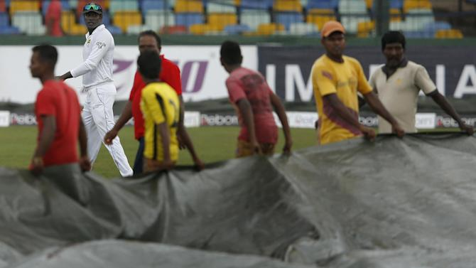 Cricket - Sri Lanka victory push held up by rain in Colombo