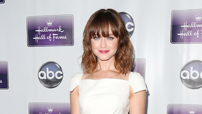 """Premiere Of Disney ABC Television And The Hallmark Hall Of Fame's """"Remembering Sunday"""" - Arrivals"""