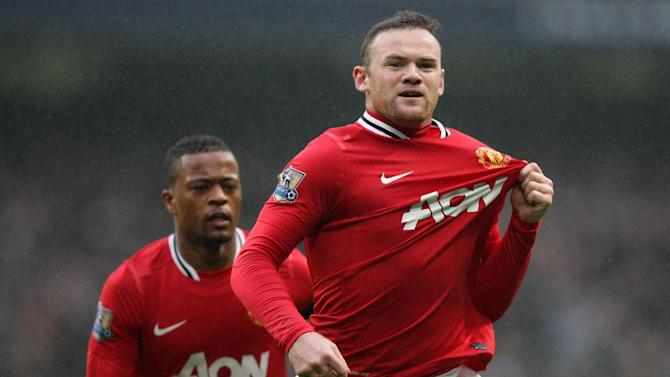 Wayne Rooney (right)
