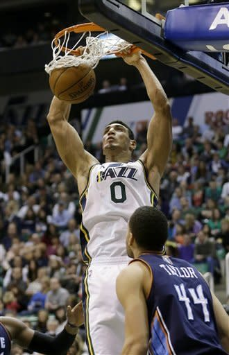 Kanter (23 points, 22 rebounds) leads Jazz in rout