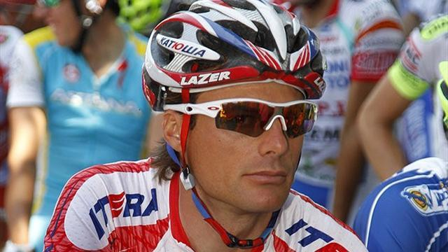 Cycling - Di Luca joins Armstrong in playing the victim card