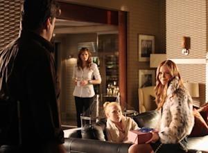 Castle Sneak Peeks: Meredith Cheers 'Caskett' While Rick's Pals Jeer His Juggling Act