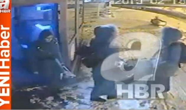 Turkish CCTV Appears To Show Three British Girls Who Fled To Join I.S.