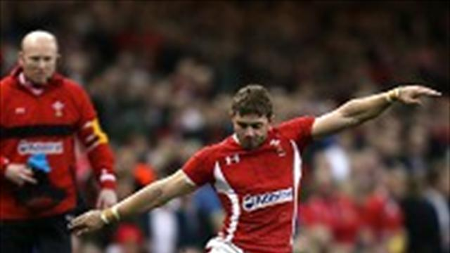 Rugby - Halfpenny happy to stay at Cardiff