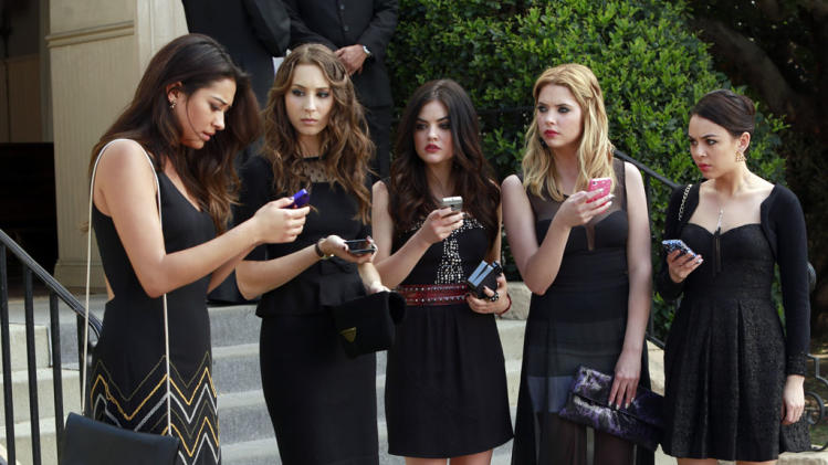 """Pretty Little Liars"" -- ""A is for A-L-I-V-E"" Shay Mitchell, Troian Bellisario, Lucy Hale, Ashley Benson, Janel Parrish"
