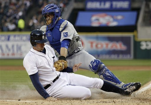 Jackson, Porcello lead Tigers past Royals 9-3