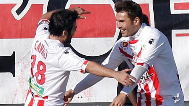 Ligue 1 - Ajaccio shock Lyon, Montpellier bury Reims
