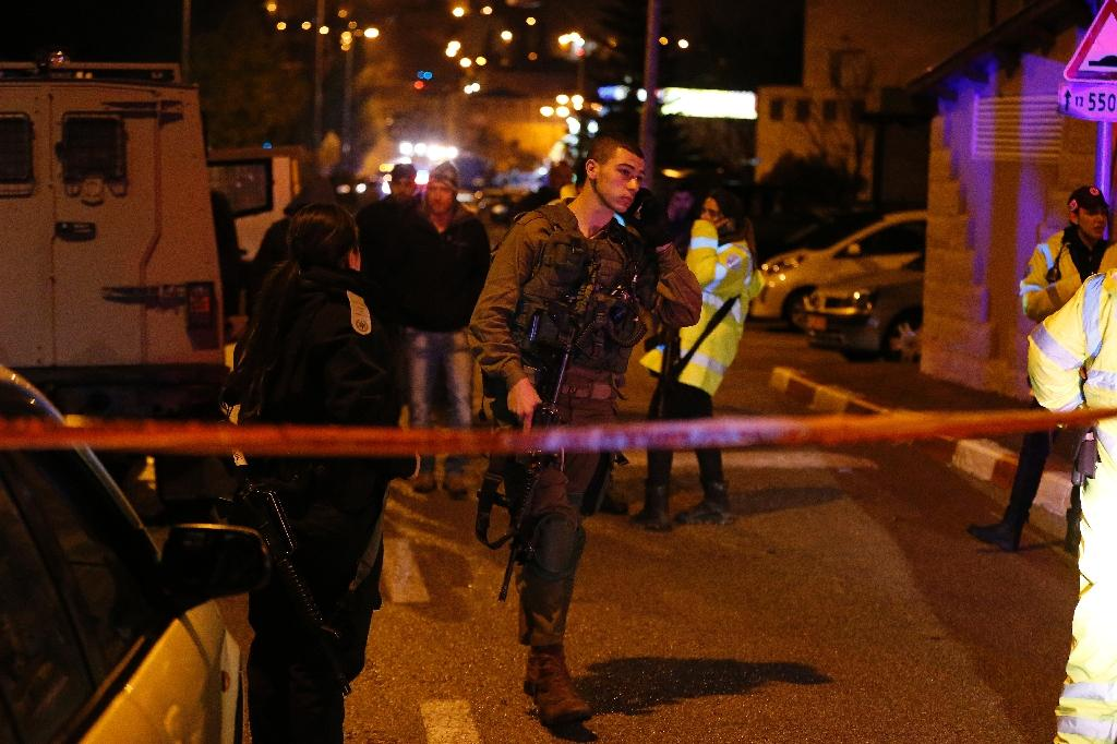 Israeli woman stabbed, wounded in market: police