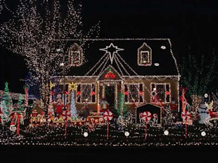 8 Christmas Homes You'll Never Forget
