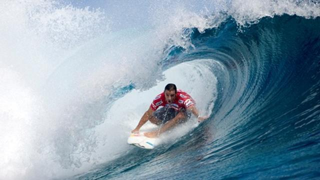 Lay day called in Teahupo'o