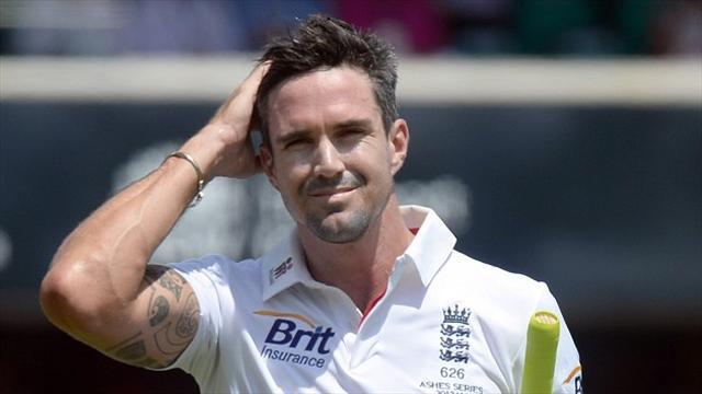 Ashes - Pietersen won't retire, wants to win back Ashes