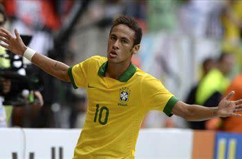 Neymar is Brazil's hope, says Romario