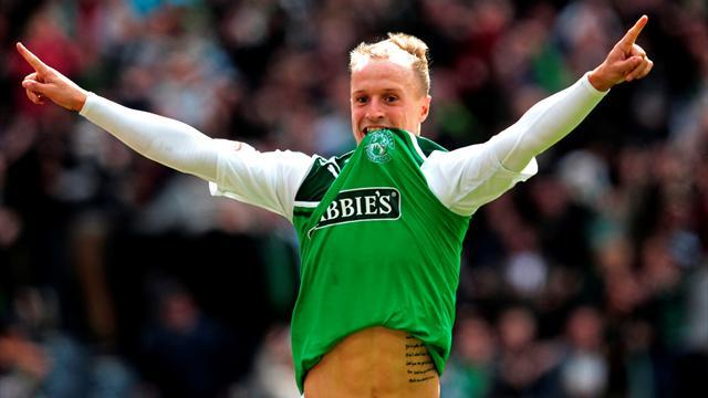 Scottish Football - Hibernian keep pressure on Celtic