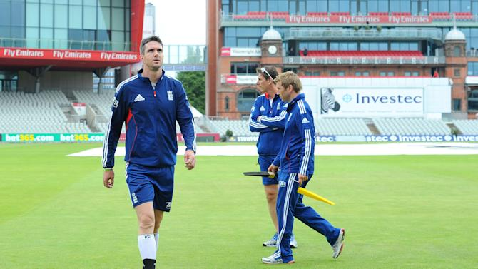 Cricket - Third Investec Ashes Test - England v Australia - England Nets - Day Two - Old Trafford