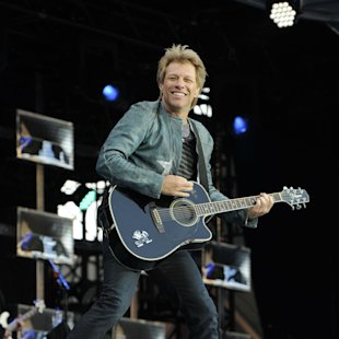Bon Jovi Feud: Richie Sambora Tells Jon Bon Jovi To 'Hire The Edge' To Replace Him?