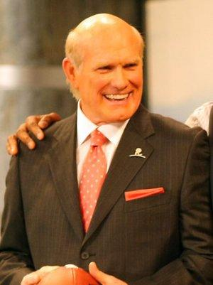 Terry Bradshaw Apologizes for 'Bucket of Chicken' Comment on Reggie Bush