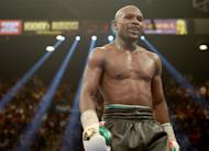 Floyd Mayweather Agrees to Amir Khan Fight at Wembley Stadium