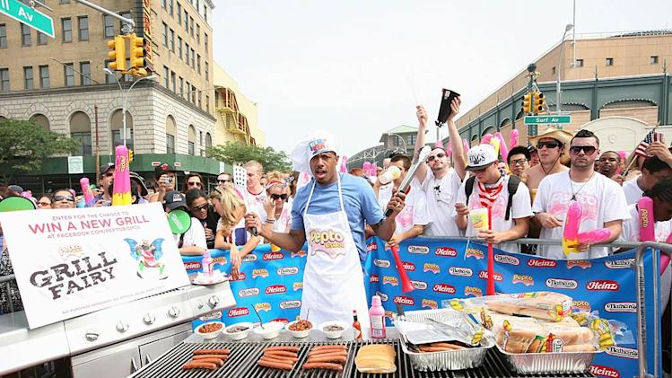 Nick Cannon Hot Dog Contest