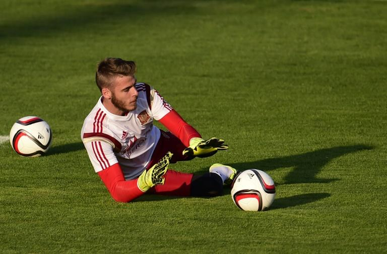 """David de Gea's transfer broke down because of Manchester United management's """"lack of experience"""", says the Real Madrid president"""