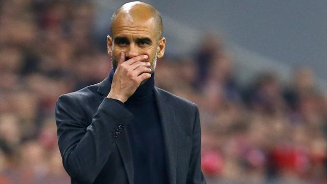 Bundesliga - Guardiola has no intention of changing system at Bayern