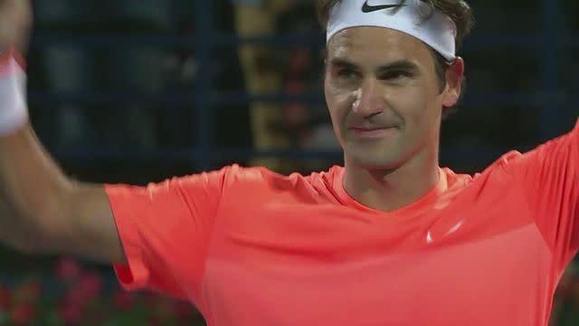 Federer beats Djokovic in Dubai