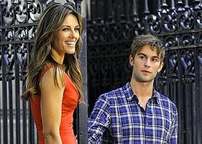 PIC: Liz Hurley, 46, Cozies Up to Chace Crawford, 25, on Gossip Girl