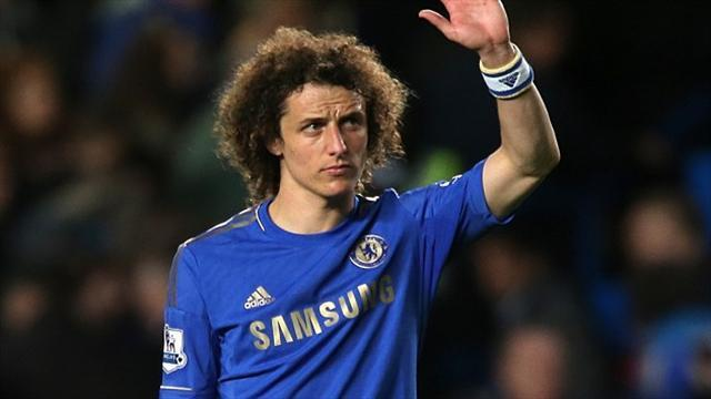 Football - Luiz 'hungry for more titles'